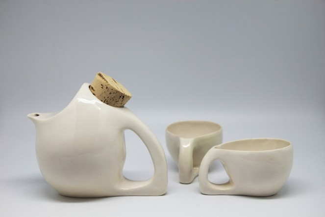 white teapots_cup